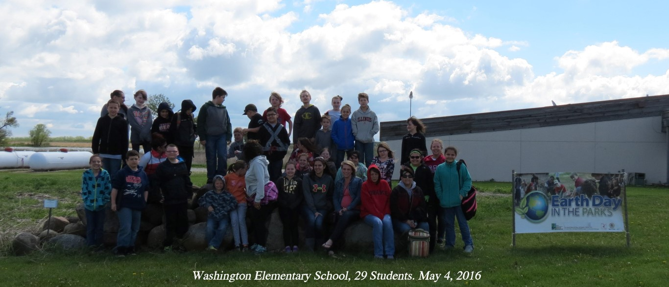 Group photo of kids and adults from Washington Elementary School from Sterrling Illinois